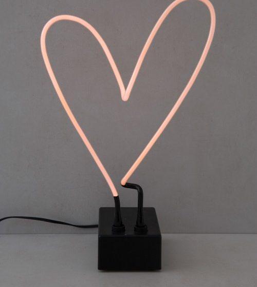 luminária neon de mesa coração