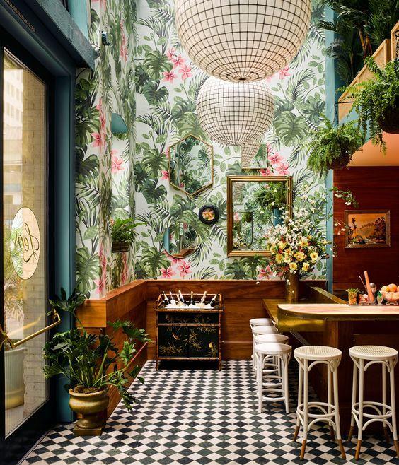restaurante com papel de parede folhagem tropical fundo colorido