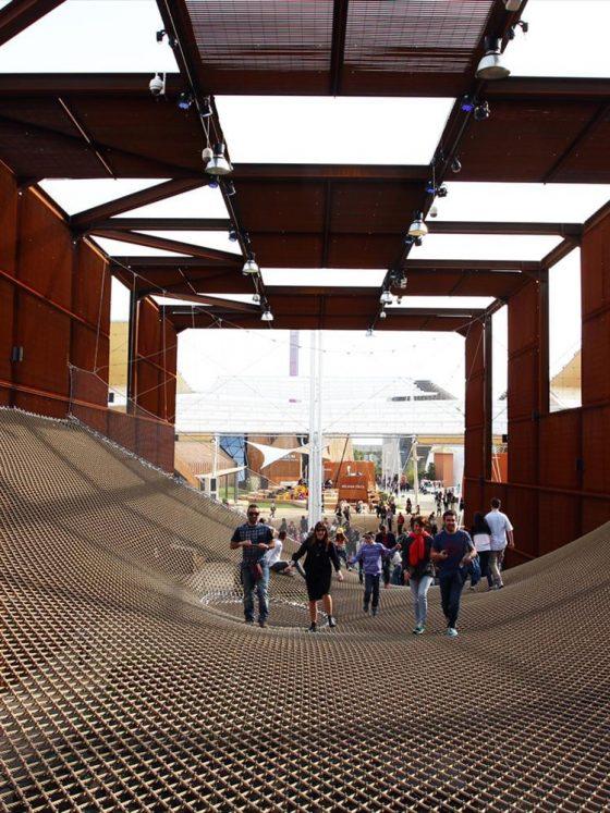 pavilhão brasileiro em milão 2015 projetado por arthur casas