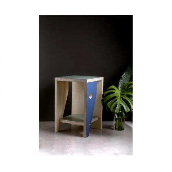 mesa de apoio faroa com pintura em neo-mint