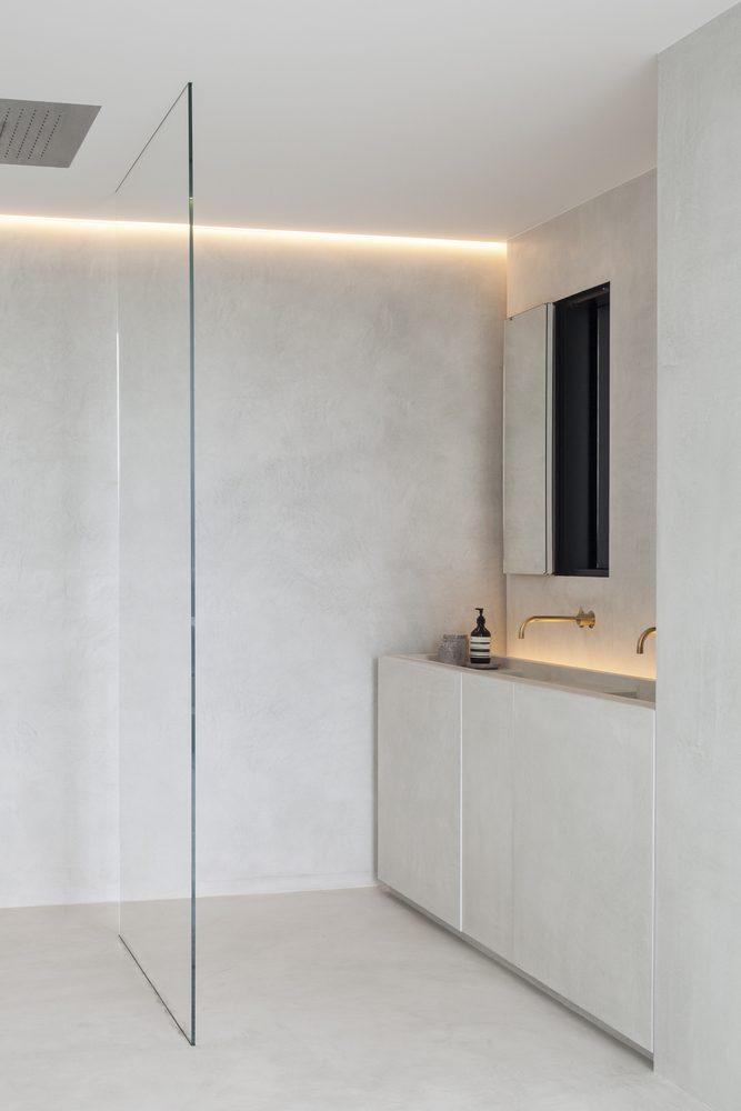 banheiro minimalista tudo em concreto