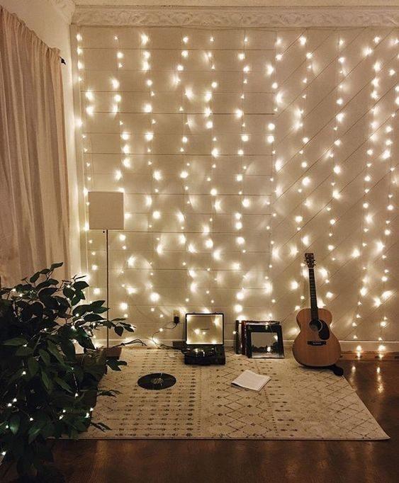 iluminação feita por cortina de cordão de luz