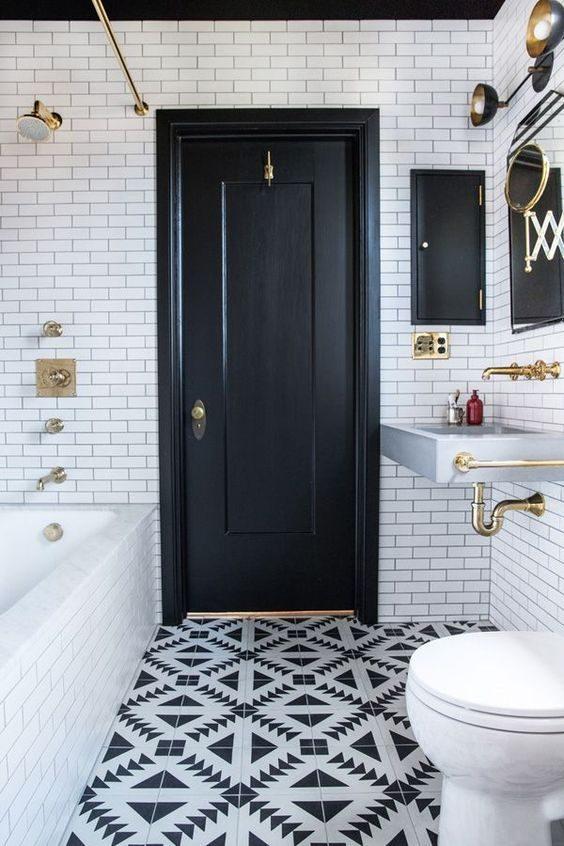 parede de banheiro pintada de preto
