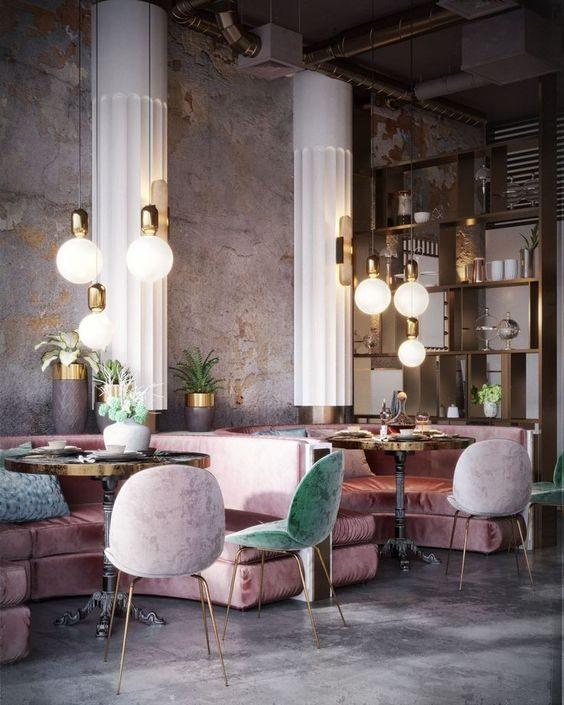restaurante com cadeiras veludo metalizado