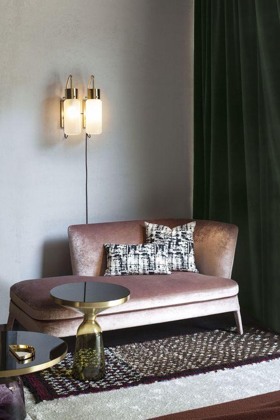 sofa em tecido veludo com efeito metalizado