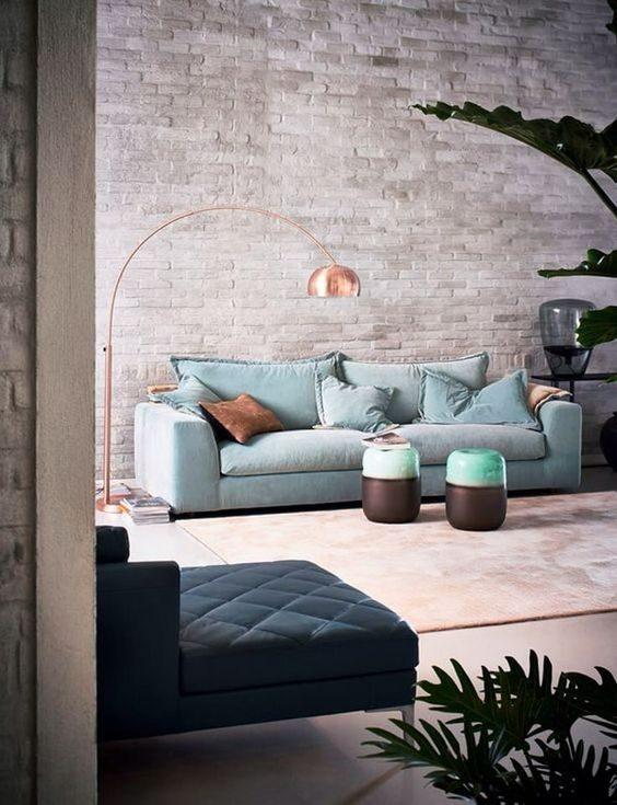 sofá tradicional em sala estar contemporânea
