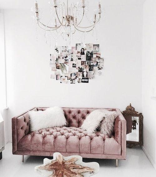 sofá vintage em veludo rosa