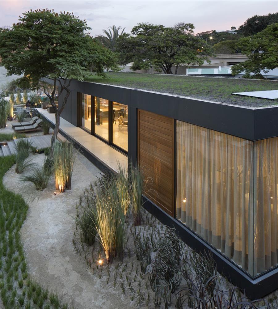 rooftop vegetado projetado pelo arquiteto arthur casas