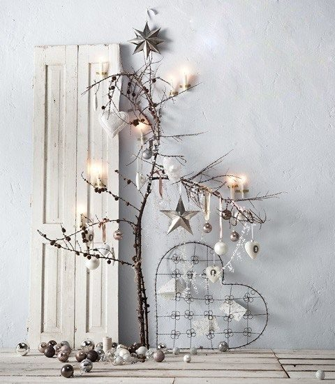árvore de natal feita de galho seco