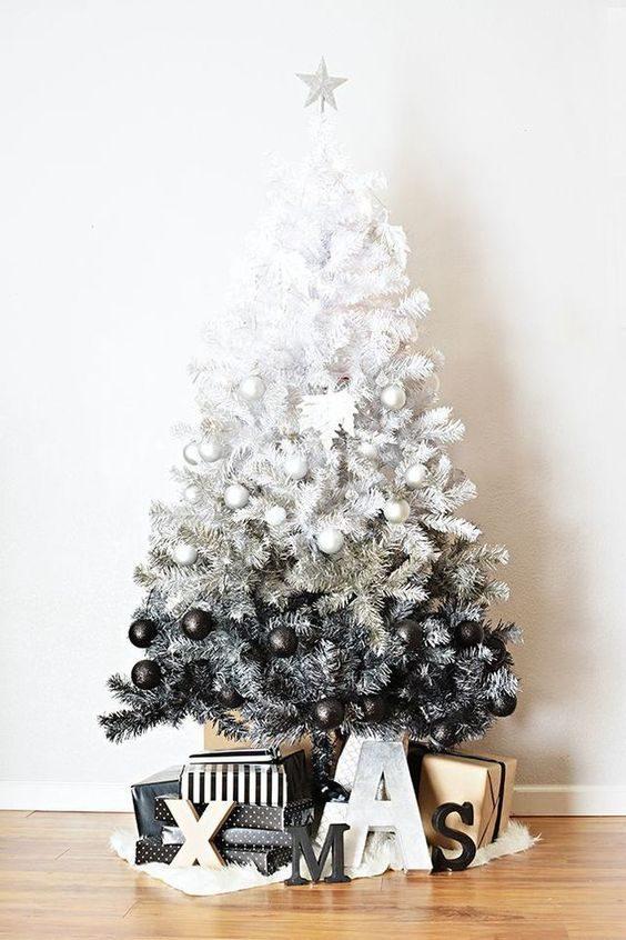 árvore de natal preto e branca