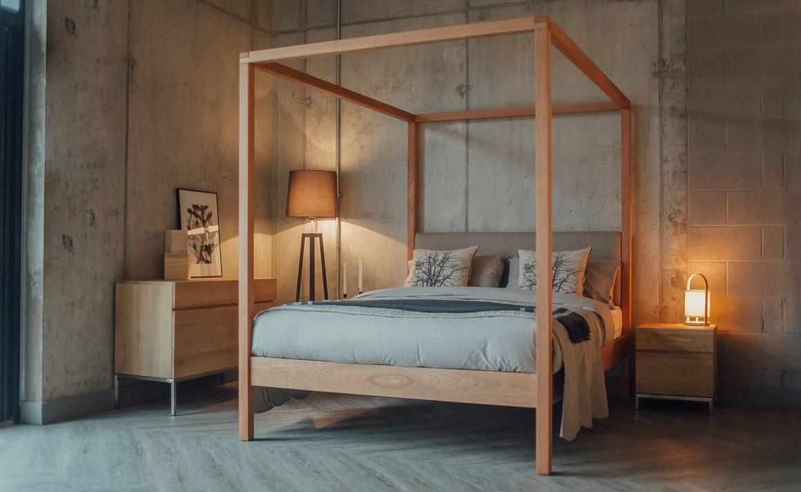 cama com dossel de madeira