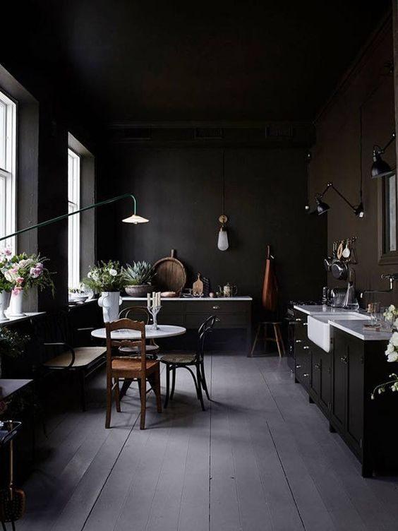 cozinha preta totalmente retro