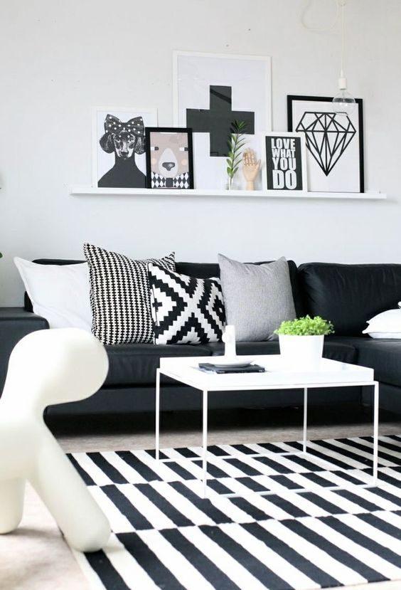 estar decorado com objetos em preto e branco