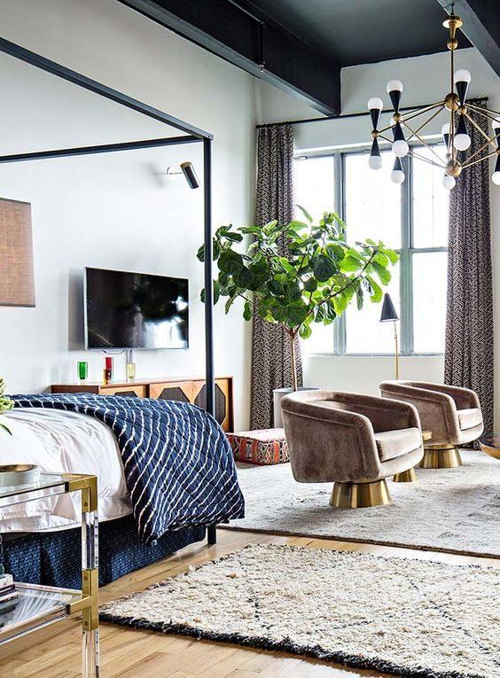 quarto em estilo boho com decoração metalizada