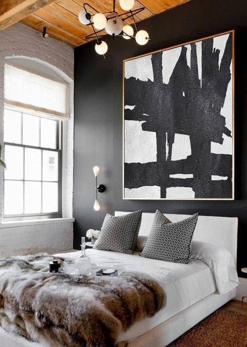 dormitório mesclando preto e itens metálicos