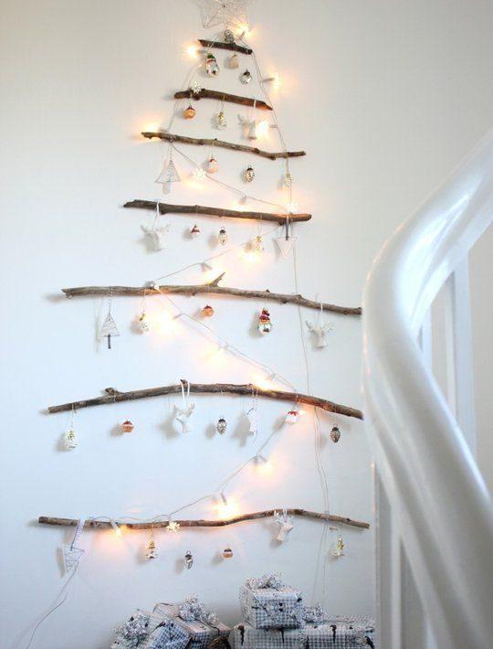 árvore de natal feita de galhos