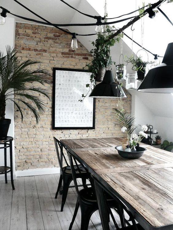 sala de jantar iluminada com cordão de luz