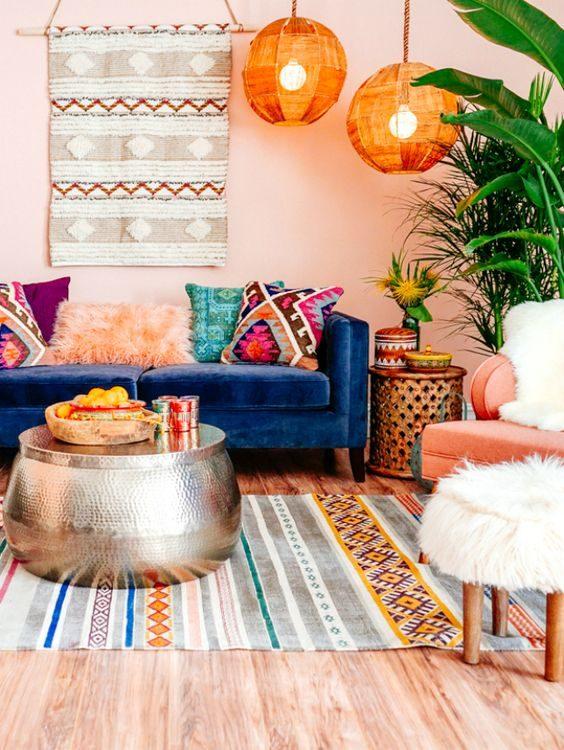 sala colorida em jungalow style