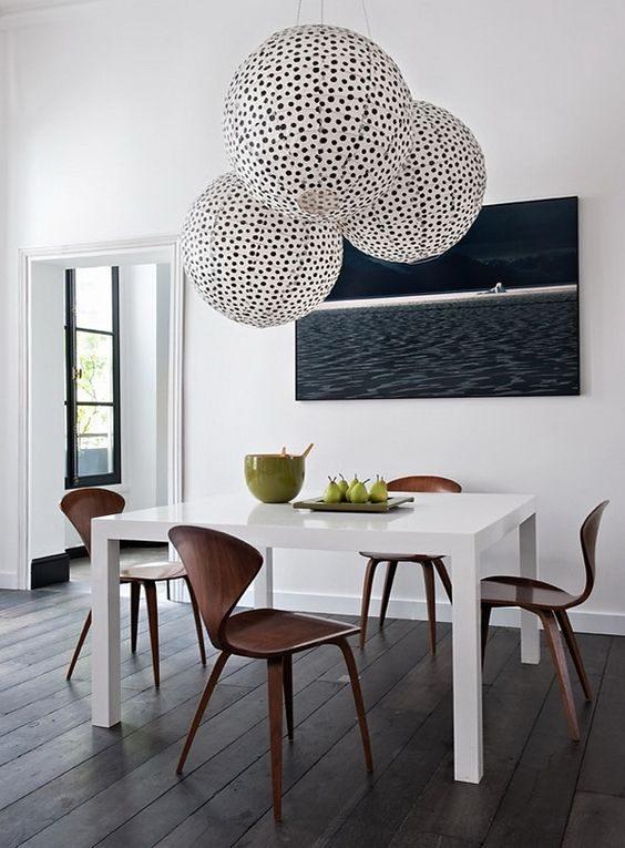 lustre oriental estampada na sala de jantar