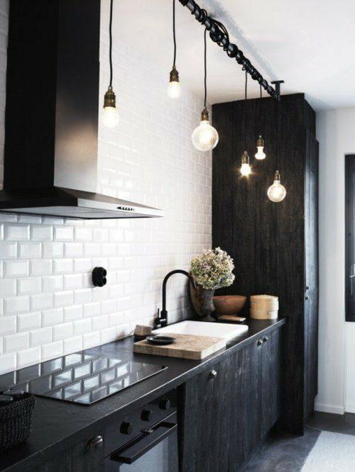 cozinha com lustre minimalista preto