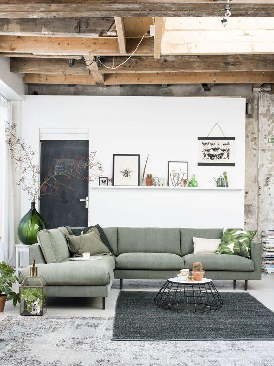 ambiente induatrial com sofá de linho na cor neo mint