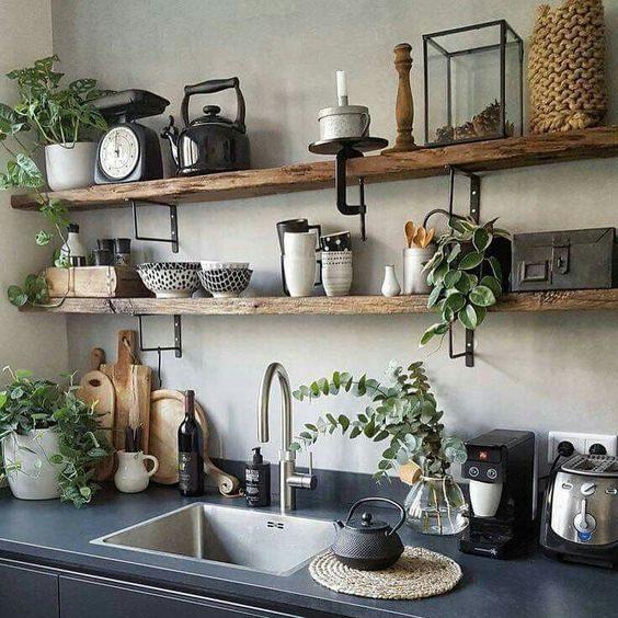 cozinha com open shelving rústico