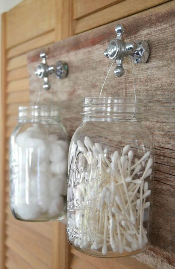 reutilização de pote no banheiro
