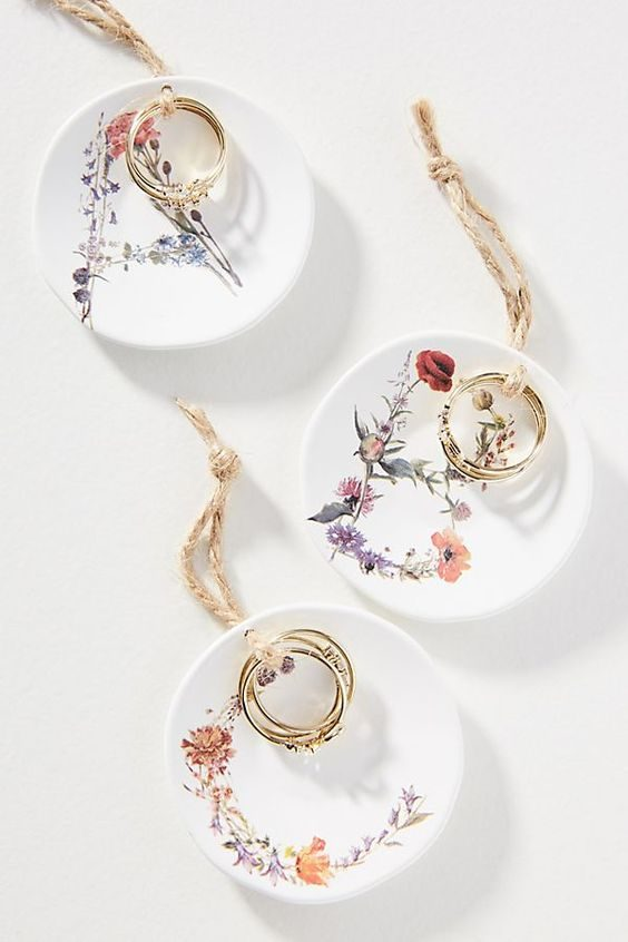 pratinhos de anel floriadinho