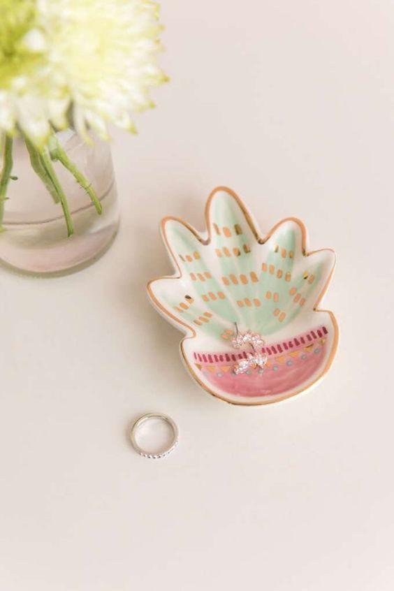 pratinho de anel em forma de plantinha