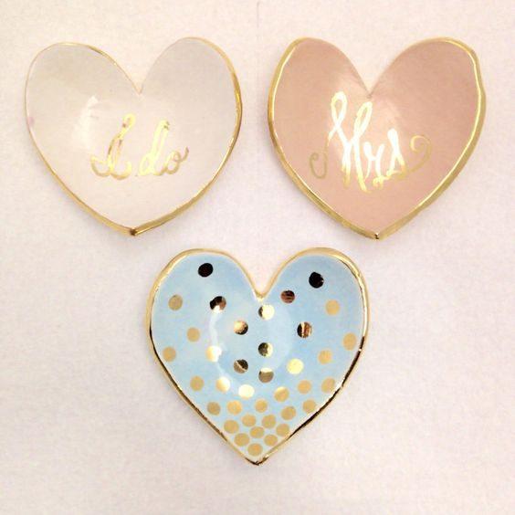 pratinhos de anel em forma de coração