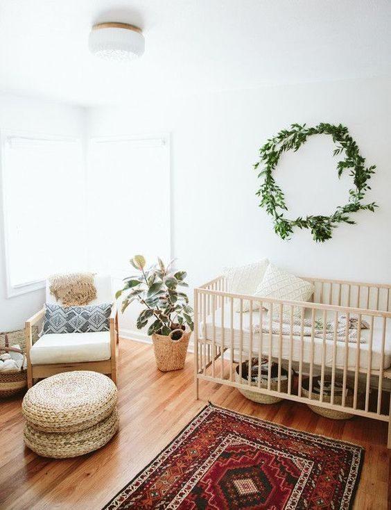 quarto de bebê com objetos handmade