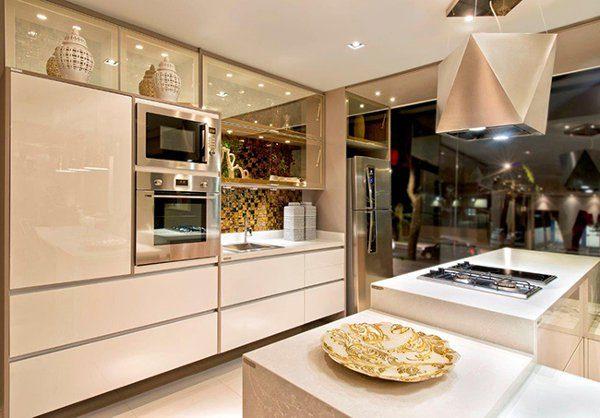 cozinha clean com vidros bronze