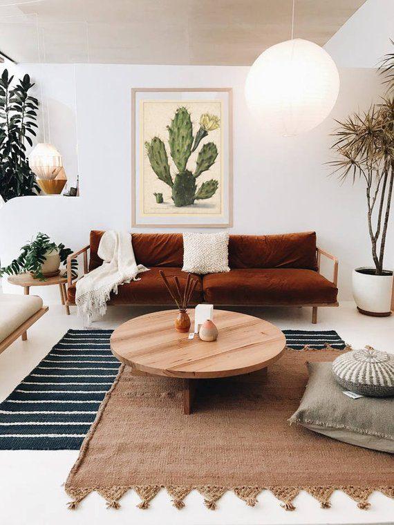 sofá rústico com estrutura de madeira