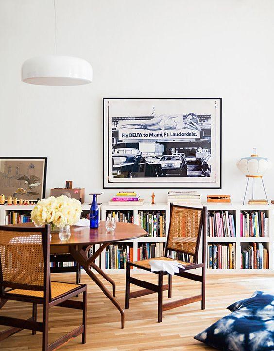 decoração living com prateleiras