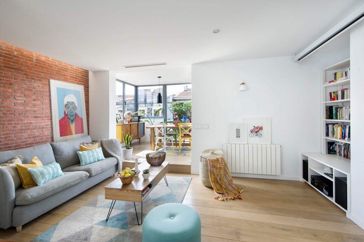apartamento escandinavo colorido
