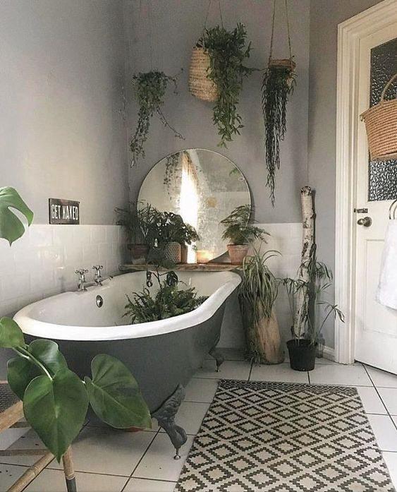 banheiro no estilo floresta urbana