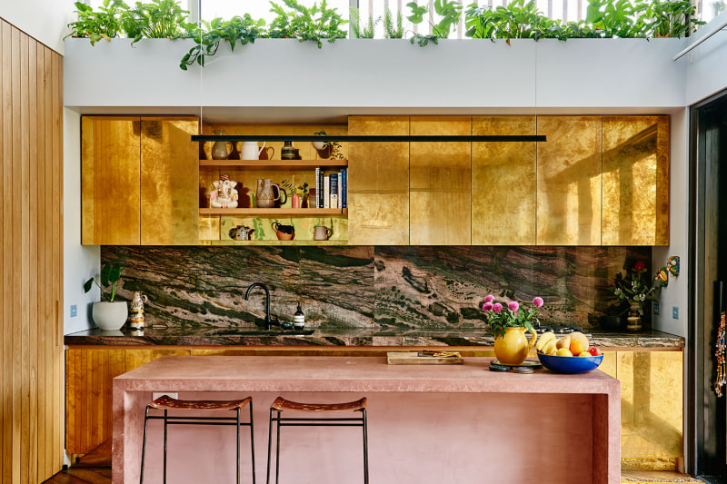 tendência dourado na cozinha