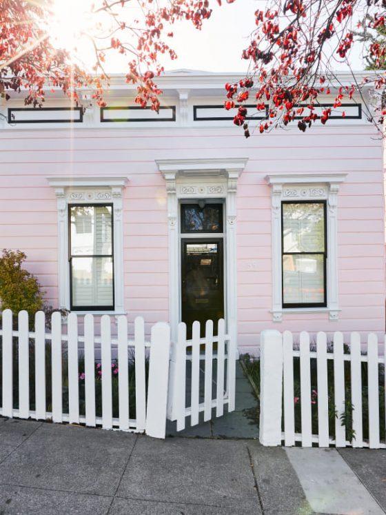 Esta Pequena Casa Victoriana Rosa É A Casa Mais Fofa De São Franscisco, CA.