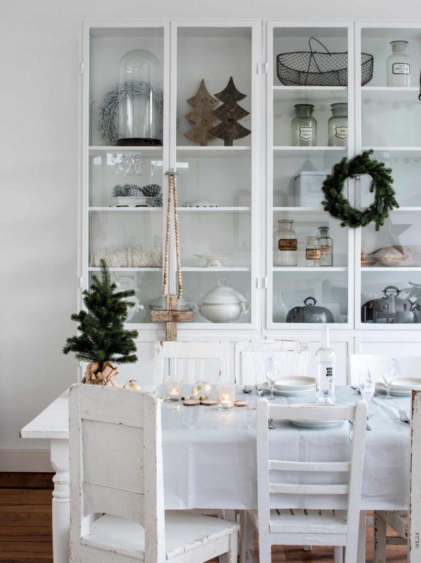 Agora que dezembro chegou já começamos a imaginar como será a decoração de natal. Veja essa casa antiga com uma decoração moderna e chique!
