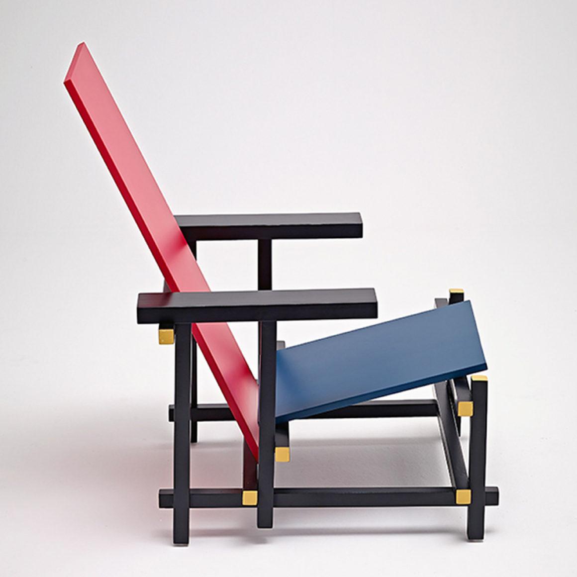 Cadeira Vermelha e Azul