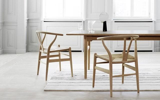 mesa e cadeiras hans Wegner